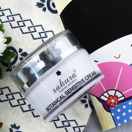 Kem dưỡng trắng da dành cho da nhạy cảm Sakura Botanical Sensitive 03