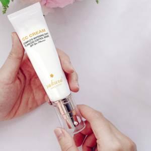 Kem trang điểm dưỡng da Sakura CC Cream 03
