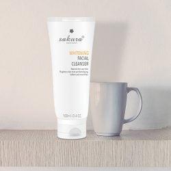Sữa rửa mặt làm trắng da Sakura Whitening Facial Cleanser 02