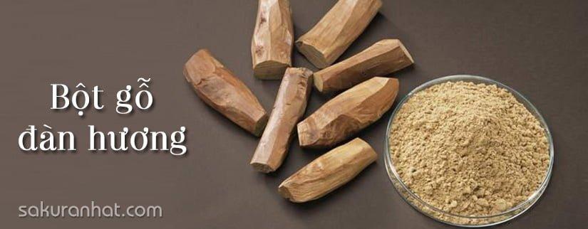 Bột gỗ đàn hương trị đốm nâu trên da mặt