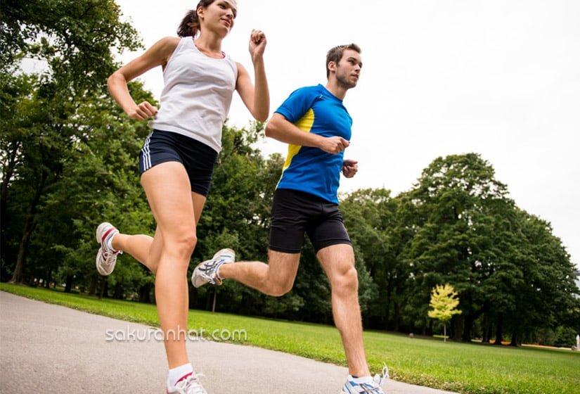 Khi đã thích nghi với việc chạy bộ thì tăng tăng cường độ và thời gian luyện tập hàng ngày lên