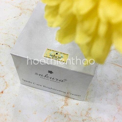 Kem dưỡng trắng da mặt ngừa nám Sakura 6